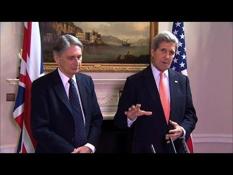 Ukraine: USA et GB réfléchissent à des sanctions contre la Russie