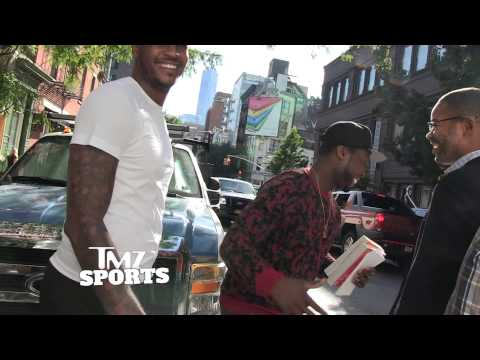 50 Cent Pretends to Be Carmelo Anthony's Bodyguard, Scares the Crap Out of Paparazzi (Video)
