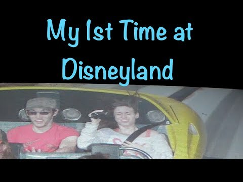 MY 1ST TIME AT DISNEYLAND (by @CandidCrandell)