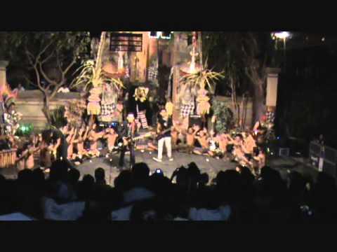 Lolot - Barong Bangkung Vs Cek Cek Live