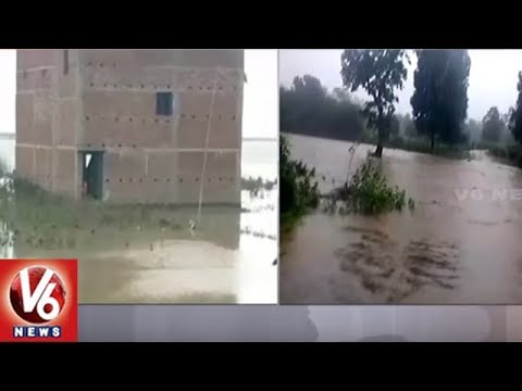 Heavy Rains In Dhamtari : CRPF Soldiers Rescued School Children From Flood Water | V6 News