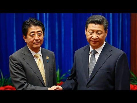 Most awkward political handshake ever?