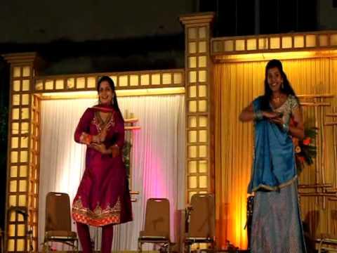 Mehndi Hai Rachne Wali By Toral & Nanu.mp4 video