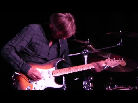 Eric Johnson live, Columbus Ohio, Woodlands Park Street Tavern - 'Tears Of A Clown', and 'Fire'