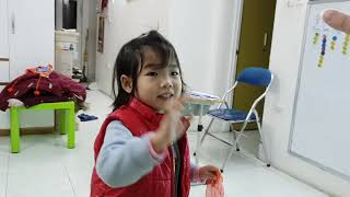 Tapping game - Pizza ft Vic, Coca ft Pizza - Ms Jenny's baby class