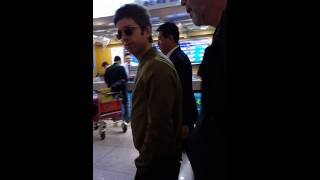 150402 @ Noel Gallagher being cute @ Korea