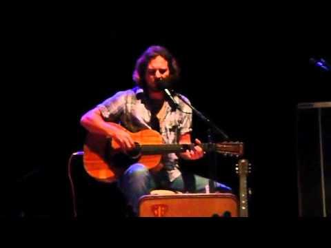 Eddie Vedder and Natalie Maines,..close your eyes