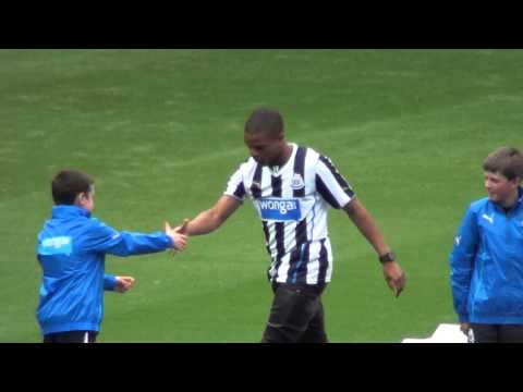 Loic Remy Introduced To Newcastle United Fans @ St James Park Before Newcastle V Braga