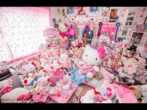 Woman Is Obsessed With Hello Kitty