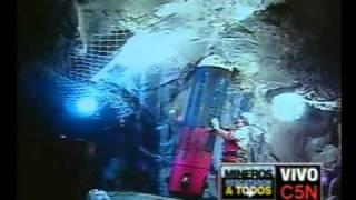 Thumb Video del último descenso de la cápsula Fénix 2 a la mina de San José Chile