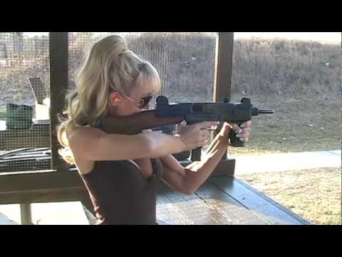 Blondie Firing Full Auto Uzi