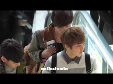121208 Lay & xiumin in ICN Airport