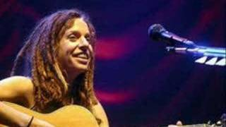 Watch Ani Difranco Not A Pretty Girl video