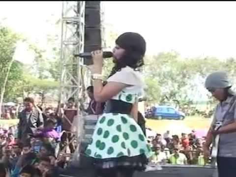 download lagu Secawan Madu - Via Vallen OM MONATA LIVE SRIKATON,KAYEN 2013 gratis