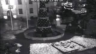 Kradzież świątecznej dekoracji sprzed miejskiego ratusza