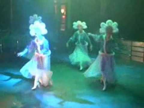 Русский танец в современной обработке