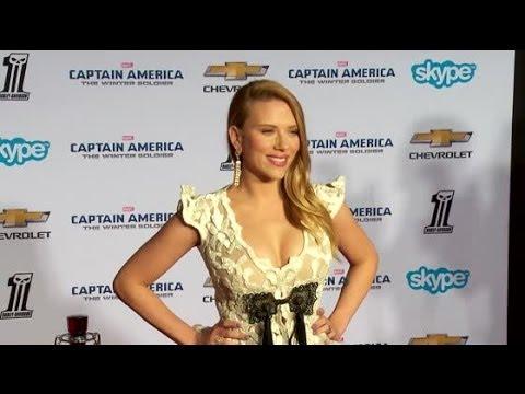 Scarlett Johansson en tenue d'Ève