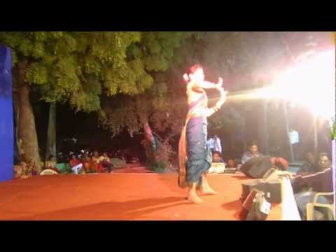 Marathi Natrang Dance Apsara Ali  By Jahnvi 11fb13.mov video