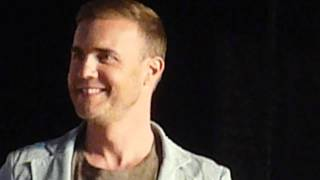 X Factor Auditions 2012 (UK) - Gary Barlow (& the other 3 judges) @ O2 London - in HD