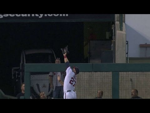 Trout robs Barnes of homer with superb grab
