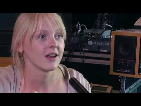 (Pt 1A) Laura Marling - on influences and recording - The Music Show, ABC Radio National