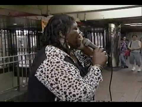THRILLING & BREATHTAKING ALICE RIDLEY AT NY SUBWAY 1-Midnight train to Georgia.avi
