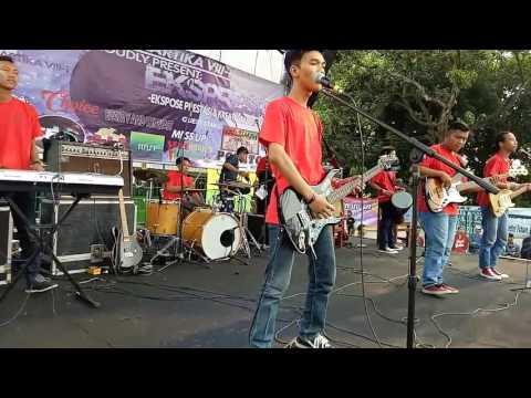 Akuerror - Nanya Mulu (live Kartika Sari VIII-1)