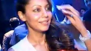 Shahrukh & Gauri Khan at Bombay Times party