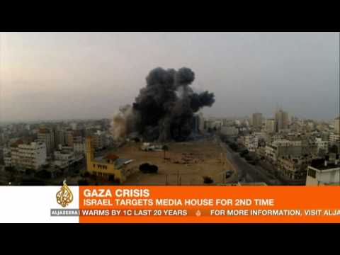 Death toll in Gaza hits 100; Israel targets media building