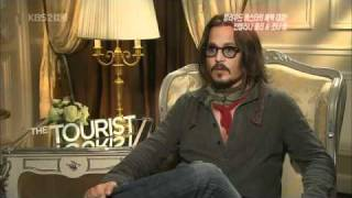 Johnny Depp Saying The Most Perfect Hello in Korean