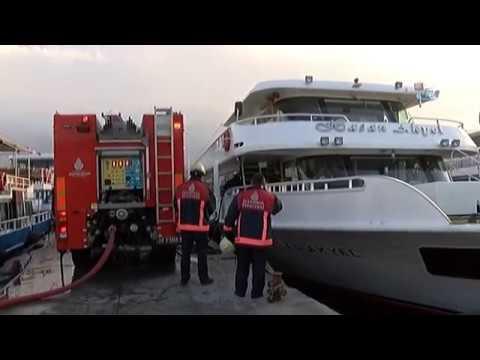 Eminönü Tur Gemisinde Panikleten Yangın