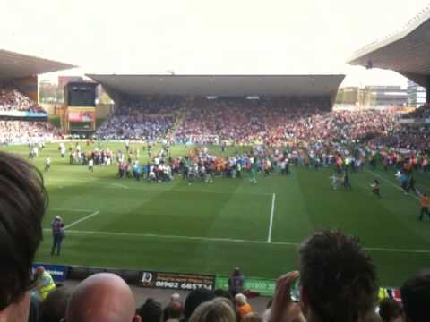 Wolves vs Blackburn 24/4/10 Pitch Invasion, Final Whistle Video