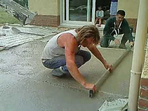 R alisation d 39 une terrasse youtube for Une chape de beton