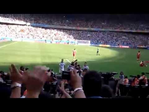 Inédito: gol de Lionel Messi a Irán desde hinchada argentina  - Mundial Brasil 2014