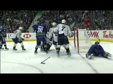 Vancouver Canucks vs Nashville Predators Game 1 Highlights 4/28/11
