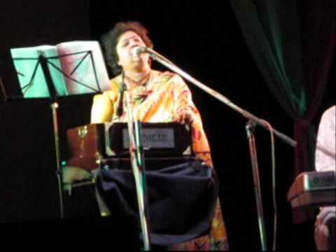 TAAI TOMAR ANONDO-Rituparno Ghosh & Srabani Sen.wmv