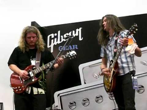 Frank Hannon&Dave Rude (NAMM Show 2009)