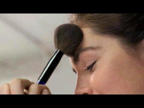 Estée Lauder - Dramatic Look - Hilary Rhoda Video