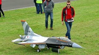 HUGE RC F-16 SCALE 1:5 MODEL TURBINE JET FLIGHT DEMONSTRATION