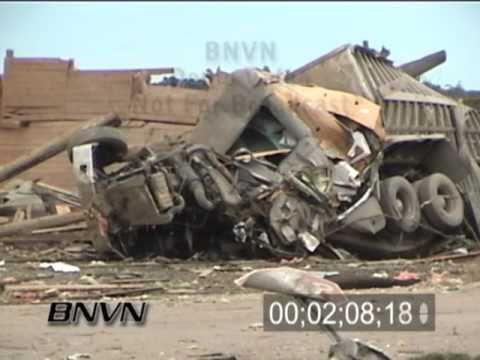 7/25/2000 Granite Falls, MN Tornado Aftermath Video