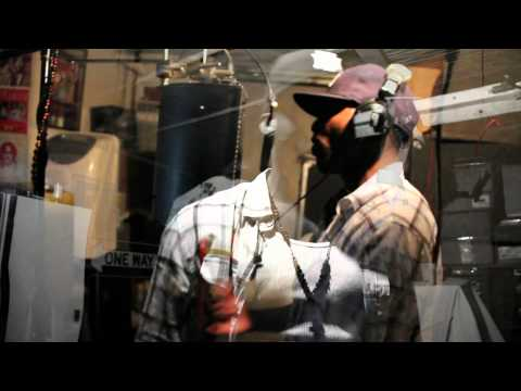 LOADED LUX 'LIGHT UP' [JULY/2010]