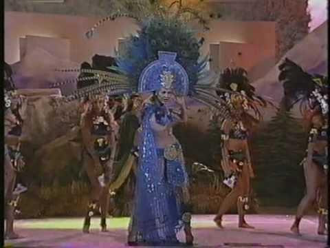 Thalia - Amor A La Mexicana (diosas De Plata) video
