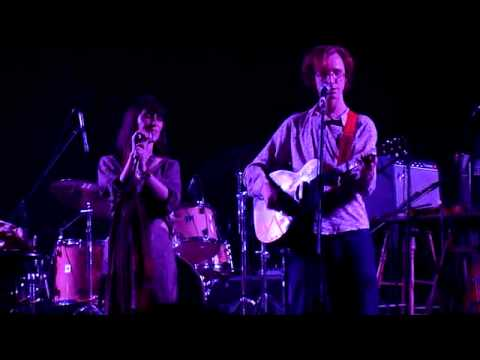The Build Up - Feist and Erlend Oye (Kings of Convenience) Live in Jakarta, Indonesia