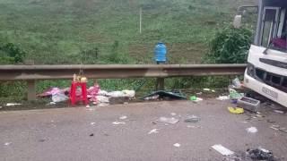 Vụ tai nạn trên đường hồ chí minh đoạn thôn đồng trình như xuân thanh hóa hai xe đâm nhau 1 lái xe b