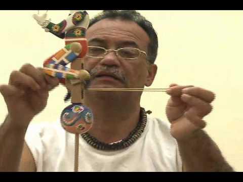 Exposici n de juguetes de madera en la embajada de - Jugueteros de madera ...