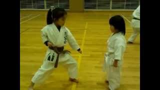 Gohonkumite by a 3-year-old girl Chitose(white belt)  [2013-03-09]