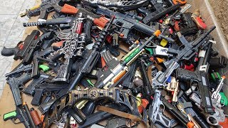Hundreds Toy Guns and Rifles! Toy Weapons Beaded Pistols Capsule Detonator Revolvers