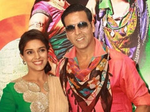 Akshay Kumar & Asin Visit Delhi For Promotion Of 'Khiladi 786'