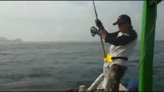 Mancing mania mantap ; Landed Giant Trevally fish with popping technique