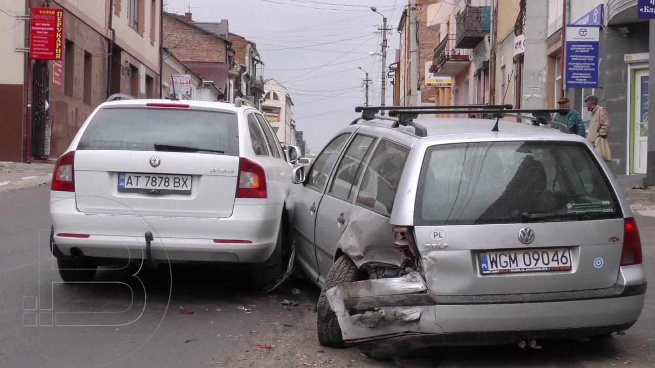 На вулиці Грушевського у Калуші трапилася дорожньо-транспортна пригода